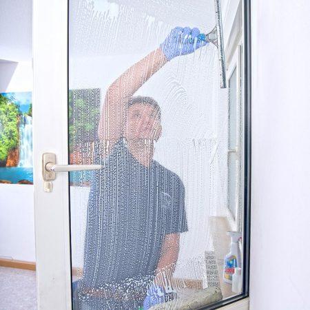 Fensterreinigung in der gesamten Oberpfalz für Privathaushalte.